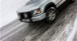 How to Drive on Ice and Avoid Skidding