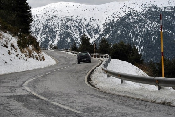 The right tyres ensure safety when driving in winter conditions.